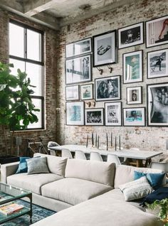 2018 interior decor trends, brick wall gallery, wabi-sabi loft living room