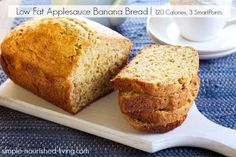 """Easy healthy low fat applesauce banana bread short cut recipe minimal ingredients stir together quickly, 120 calories, 3 Weight Watchers Points 2 points per slice on """"slide card"""" system. Low Fat Banana Bread, Banana Bread With Applesauce, Weight Watcher Banana Bread, Unsweetened Applesauce, Healthy Banana Bread, Weight Watcher Desserts, Weight Watchers Meals, Pastas Recipes, Ww Recipes"""