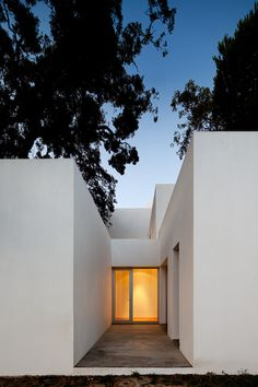 3 Houses in Meco,© FG+SG