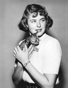 Ingrid Bergman with kitty, 1944