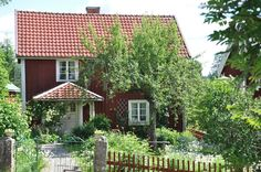 – rustic home exterior Swedish Cottage, Red Cottage, Cottage Homes, Cottage Style, Sweden House, Rustic Houses Exterior, Red Houses, This Old House, House In Nature