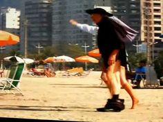 #Freiraeopadrenapraia #Padre #Pegadinhas #Praia Pegadinhas Freira e o Padre na Praia