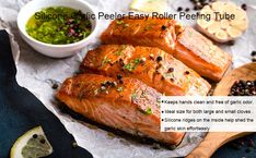 Garlic cloves come out peeled, peels stay inside Oven Baked Salmon, Fried Salmon, Baked Salmon Recipes, Seafood Recipes, Low Calorie Recipes, Diet Recipes, Healthy Recipes, Ketogenic Recipes, Healthy Fats