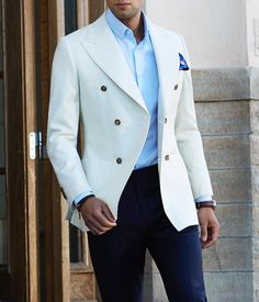 WEBSTA @ menwithclass - Stunning ivory double breasted blazer by 👍🏽 Best Suits For Men, Cool Suits, Mens Fashion Suits, Mens Suits, Trendy Mens Fashion, Suit Combinations, Herren Outfit, Double Breasted Jacket, Blazers For Men