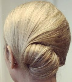 5 Easy Updos in 5 Minutes