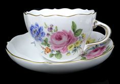 Meissen five flower main Pink Rose Tea Cup Set, Tea Cup Saucer, Dresden Porcelain, China Cups And Saucers, Rose Tea, Porcelain Ceramics, Afternoon Tea, Pottery, Teacups