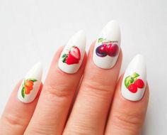 40 Simple And Clean Almond Nail Designs #naildesignideaz #almondnails #nailart