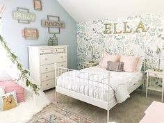 Beddy& are soft, beautiful, easy to wash, and SUPER easy for your children to make the bed! All they have to do is zip it up on each side and their bed is made in seconds. Teen Girl Bedrooms, Big Girl Rooms, Zipper Bedding, Living Room Decor, Bedroom Decor, Dressing Room Design, Stylish Bedroom, White Bedding, Boho Bedding