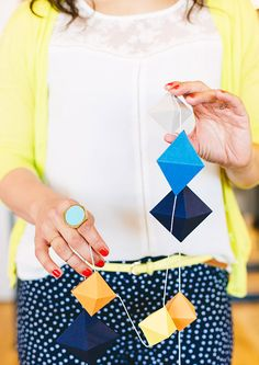 DIY: geometric paperfold garland (free printable template)