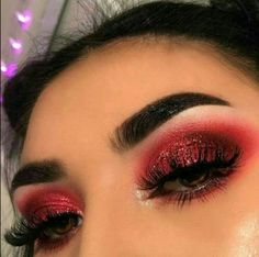 Eyeshadow Looks red valentines day makeup Rote Valentinstag Make-up # red makeup eyeshadow Red Eyeshadow Makeup, Skin Makeup, Red Glitter Eyeshadow, Drugstore Makeup, Fall Eyeshadow, Makeup Brushes, Creative Eye Makeup, Colorful Eye Makeup, Red And Black Eye Makeup