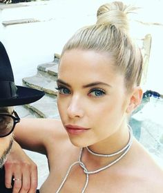 Pretty Little Liars Hanna Marin, Ashley Benzo, Pretty Little Liars Hanna, Tyler Blackburn, Actors Images, Victoria, Love Her Style, Celebs, Celebrities