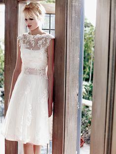 Alternatívny pohľad na svadobné šaty BR2352