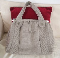 This tote bag is knitted using DK yarn on 3mm needles.   MEASUREMENTS:  W 35cm  H: 30cm (excluding handles)  D: 11cm   YOU WILL NEED:  Appr...
