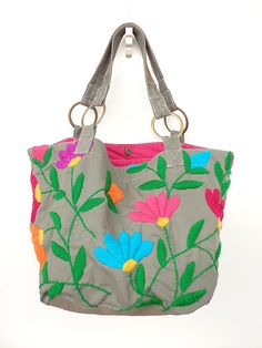 Embroidery Purse, Embroidery Works, My Bags, Purses And Bags, Old Ties, Mexican Embroidery, Fabric Gift Bags, Patchwork Bags, Bag Making