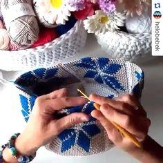 Você que Ama Crochê Aumente sua Renda em Até por Mês com Este Curso! Crochet Patterns Amigurumi, Crochet Stitches, Knit Crochet, Crochet Hats, Sombrero A Crochet, Crochet Baby Beanie, Crochet Bag Tutorials, Crochet Videos, Crochet Wall Hangings