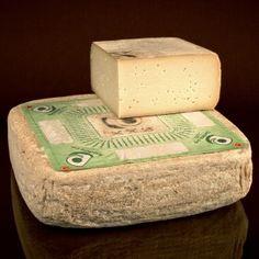 Raschera PDO #Cheese #ItalianCheese #ItalianFood http://www.formaggio.it/formaggio/raschera-d-o-p/