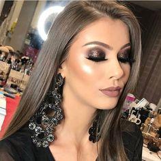 49 Concert Makeup Ideas to Make You Shinning and Enjoyable Glam Makeup, Neutral Makeup, Sexy Makeup, Makeup Inspo, Bridal Makeup, Wedding Makeup, Makeup Inspiration, Makeup Tips, Beauty Makeup