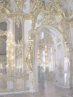 White and gold architecture Gold Aesthetic, Angel Aesthetic, Aesthetic Vintage, Makeup Aesthetic, Baroque Architecture, Beautiful Architecture, Renaissance Architecture, Drawing Architecture, Architecture Panel