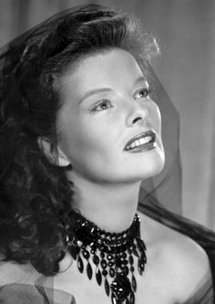 """Discover Katharine Hepburn famous and rare quotes. Share inspirational quotes by Katharine Hepburn and quotations about love and giving. """"Kindness is one of the greatest gifts you. Katharine Hepburn, Golden Age Of Hollywood, Vintage Hollywood, Classic Hollywood, Hollywood Stars, Classic Actresses, Actors & Actresses, Beautiful Actresses, Margaret Sanger"""