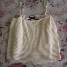 Cream crop top • size small I'm open to any offers and I do bundle as well ! (: All-kris Tops Crop Tops