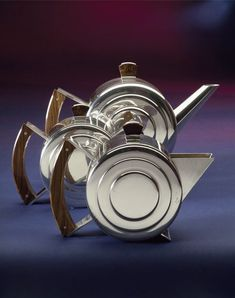 Silver with kingwood sugar bowl by Harry George Murphy, London, 1933-34. l Victoria and Albert Museum