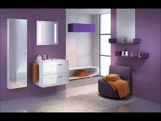 Modele de bai pe fond mov - Models of bathrooms on purple background