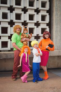 Family Halloween costumes, Scooby Doo Halloween costumes, family costume ideas, coordinating family costumes