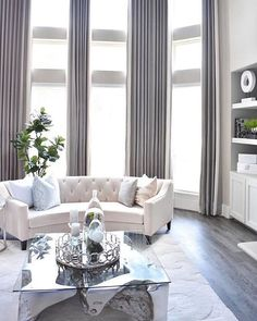 Romantic Living Room, Elegant Living Room, Elegant Home Decor, Elegant Homes, Modern Living, Small Living, Living Room Decor Colors, Living Room Color Schemes, Living Room Interior