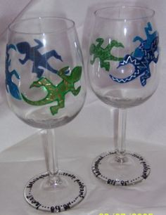 Leap with Joy!  leaping-lizards-wine-glass  handpainted by www.smashingglassdesigns.co.uk