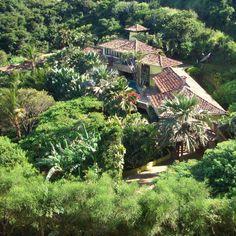 http://macaeproperties.com/listing/about-brazil-house/ beautiful home for sale- Ferradura Buzios Brazil
