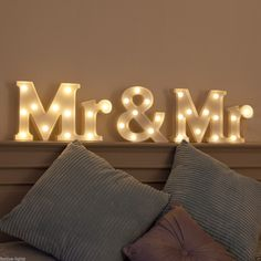 "WARM WHITE LED BATTERY ""MR & MR"" MARQUEE WEDDING LIGHT UP CIRCUS LETTER SIGN 