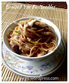 Shredded Chicken Braised E-Fu Noodles (鸡丝韭黄伊府面)  #guaishushu #kenneth_goh  #E-fu_noodles  #伊府面
