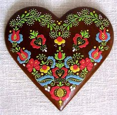srdce barevné | Perníky. I love this design. It's decorated gingerbread, but it could be done in embroidery or paint. The website is in an Eastern European language. -LW