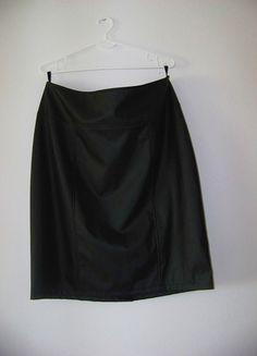 Kup mój przedmiot na #vintedpl http://www.vinted.pl/damska-odziez/spodnice/12494095-skorzana-czarna-spodnica-na-suwak-obcisla-tuba
