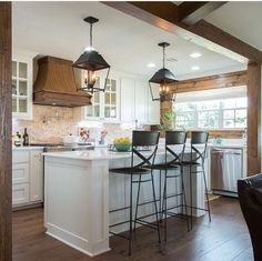 Farmhouse Style Lighting For Your Home Fixer Upper Eberle kitchen - black light fixtures, brushed ni Modern Farmhouse Kitchens, Farmhouse Kitchen Decor, Black Kitchens, Home Kitchens, Farmhouse Style, Rustic Farmhouse, Farmhouse Ideas, Country Kitchen, Fixer Upper Kitchen