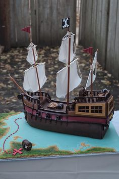 Pirate Ship Cake Profile View by pt4pastries, via Flickr