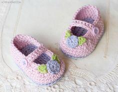 Estos botines de rosebud adorable mantendrá incluso el más caliente de tootsies y buscando sobre todo lindo y femenino! Y la mejor parte, son