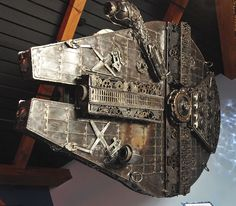 10' long, 900 lb. Millennium Falcon replica, made entirely out of car parts