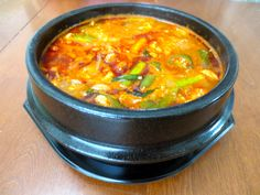 Soondubu Jjigae from Maangchi. I love this lady's website Asian Recipes, My Recipes, Ethnic Recipes, Jjigae Recipe, Soondubu Jjigae, Maangchi Recipes, My Favorite Food, Favorite Recipes, Tofu Soup