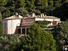 Magnífica casa señorial en venta en el norte de Mallorca | Parcela de 80 hectáreas con impresionantes vistas al mar | Rodeada de bosques y con casa de invitados / del personal