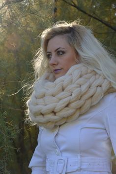 Chunky knitted scarf, Chunky knit scarves, Super chunky infinite scarves  Chunky scarf Infinity scarf 4b48395a302