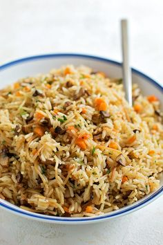 This mushroom pilaf is easy to make and turns out perfect every time! It's so simple and flavorful, you'll want to make it again & again! Rice Side Dishes, Pasta Dishes, Main Dishes, Veggie Dishes, Couscous Quinoa, Vegetarian Recipes, Cooking Recipes, Savoury Recipes, Clean Recipes