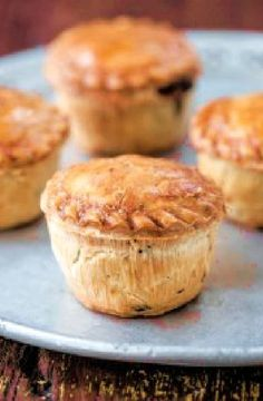 Low FODMAP Recipe and Gluten Free Recipe - Mini turkey & cranberry pies Gluten Free Cooking, Gluten Free Recipes, Baking Recipes, Diet Recipes, Yummy Recipes, Low Fodmap, Fodmap Diet, Fodmap Foods, Fodmap Baking