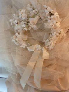 Vintage wedding tiara! 50s Wedding, Wedding Veils, Wedding Lace, Wedding Dresses, Wedding Stuff, Wedding Ideas, Learning To Love Again, Vintage Outfits, Vintage Fashion