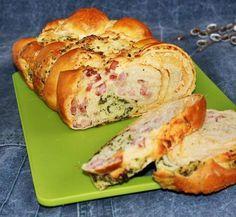Egy finom Túrós-sonkás-medvehagymás fonott kalács ebédre vagy vacsorára? Túrós-sonkás-medvehagymás fonott kalács Receptek a Mindmegette.hu Recept gyűjteményében! Bread Dough Recipe, Hungarian Recipes, Easter Recipes, Pasta Dishes, Tapas, Food To Make, Breakfast Recipes, Brunch, Food And Drink