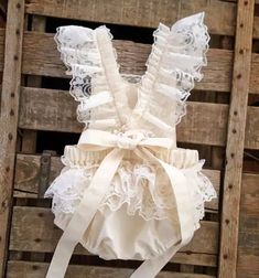 Sewing Baby Girl Delicate and sweet, cotton and lace romper for your little princess. - Delicate and sweet, cotton and lace romper for your little princess. Ruffle Romper, Baby Girl Romper, Baby Girl Dresses, Baby Dress, Flower Girl Dresses, Lace Ruffle, Ruffles, Boho Romper, Romper Dress