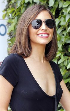 Olivia Culpo Photos Photos - Actress Olivia Culpo and a friend are spotted out shopping in West Hollywood California on April 11 Missing from the shopping trip was Olivia's boyfriend Danny Amendola. - Olivia Culpo Heads Out Shopping in West Hollywood Bob Hairstyles For Fine Hair, Layered Bob Hairstyles, Long Bob Haircuts, Long Hairstyles, Wedding Hairstyles, Celebrity Hairstyles, Medium Haircuts, Brunette Hairstyles, Round Face Haircuts