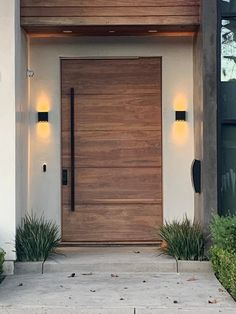 Modern Wood Doors, Modern Entrance Door, Main Entrance Door Design, Modern Garage Doors, Modern Exterior Doors, Wood Exterior Door, Modern Front Door, Contemporary Doors, Front Door Design