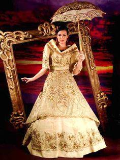 Woman in Maria Clara dress Maria Clara Dress Philippines, Philippines Dress, Les Philippines, Philippines Culture, Philippines People, Modern Filipiniana Gown, Filipiniana Wedding, Wedding Dress, Filipino Fashion