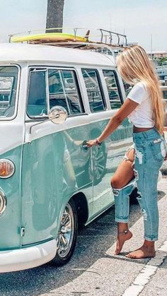 Do It Yourself Auto Repair Tips And Tricks Volkswagen Transporter, Transporteur Volkswagen, T3 Vw, Vw Camper Bus, Trucks And Girls, Car Girls, Wolkswagen Van, Kombi Clipper, Station Wagon